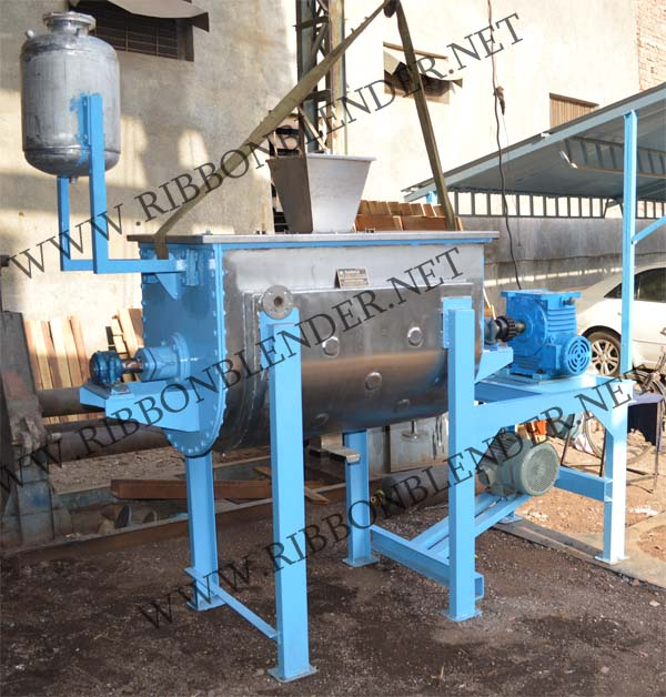 Carbon Black Ribbon Blender Machine